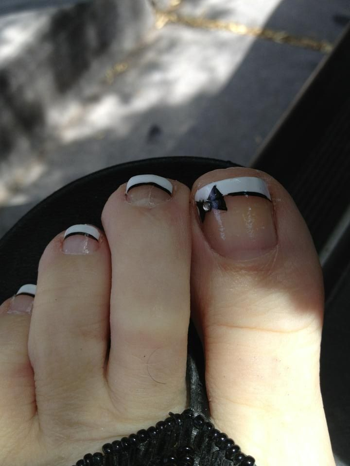 Bow toes | nail art | Pinterest | Pedicures, Black and Pedi