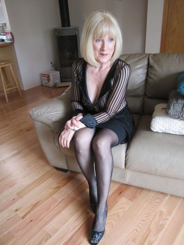 Older women with sexy bodies