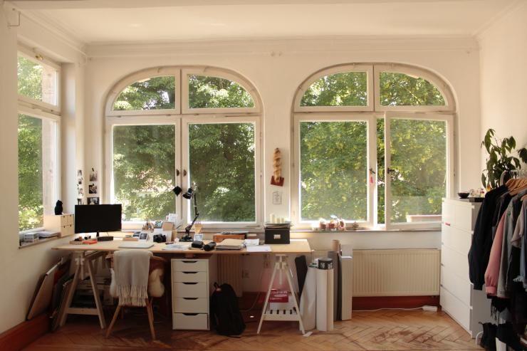 Möbliertes 25qm Zimmer in wunderschönem Altbau zur