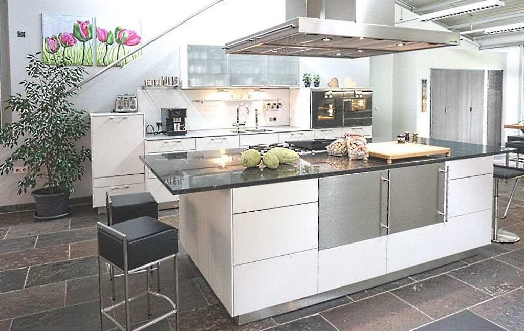 Abverkaufsküchen bulthaup  Eine weitere unser aktuellen Abverkaufsküchen aus unserer Austellung ...