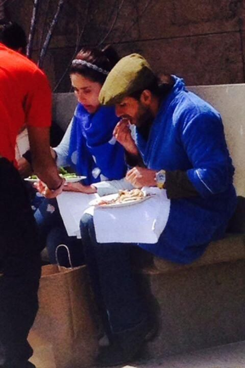Saif-Kareena's 'happy' bonding over food | PINKVILLA