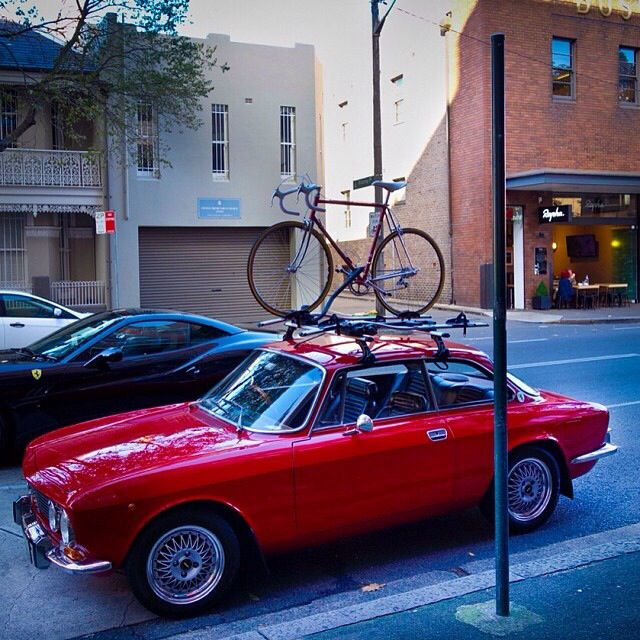 Alfa 2000 GTV + Bike