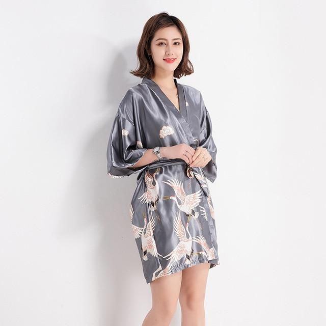 881edca844 Fashion Women s Summer Mini Kimono Robe Lady Rayon Bath Gown Yukata Nightgown  Sleepwear Sleepshirts Pijama Mujer