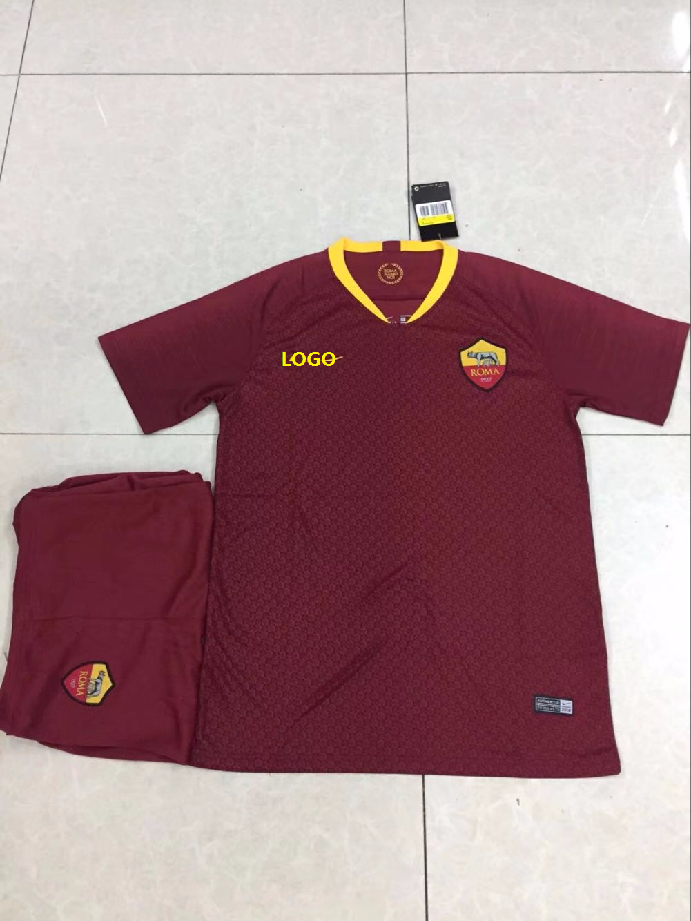 5d075b305 2018/19 AAA Men Roma Home Red Soccer Uniform Adult Football Kits ...