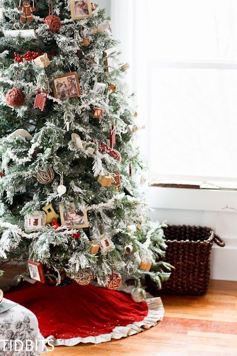 How To Faux Flock A Fresh Christmas Tree With Laundry Detergent Fresh Christmas Trees Christmas Tree Flocked Christmas Trees