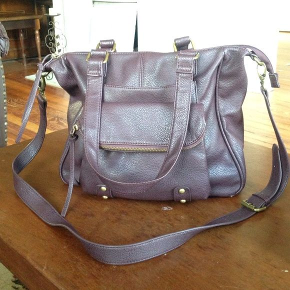 PacSun Wine cross body or shoulder bag Large wine colored purse with removable cross-body strap. Versatile bag for any season. Has 6 total pockets. Three of which are zippered. Perfect condition PacSun Bags Crossbody Bags