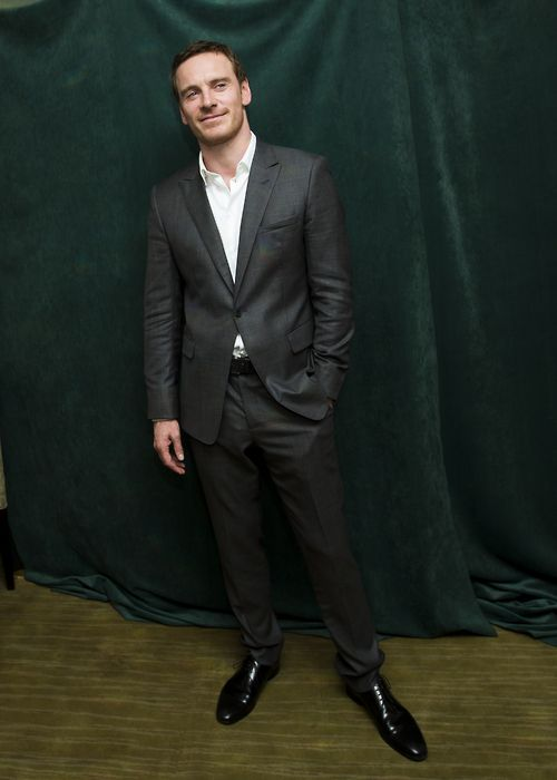 oh Mr Fassbender what big feet you have!
