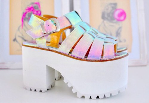 Shoes: platform shoes, holographic shoes - Wheretoget #heels  #grunge -  #pink  #fashion  #inspiration -  pretty