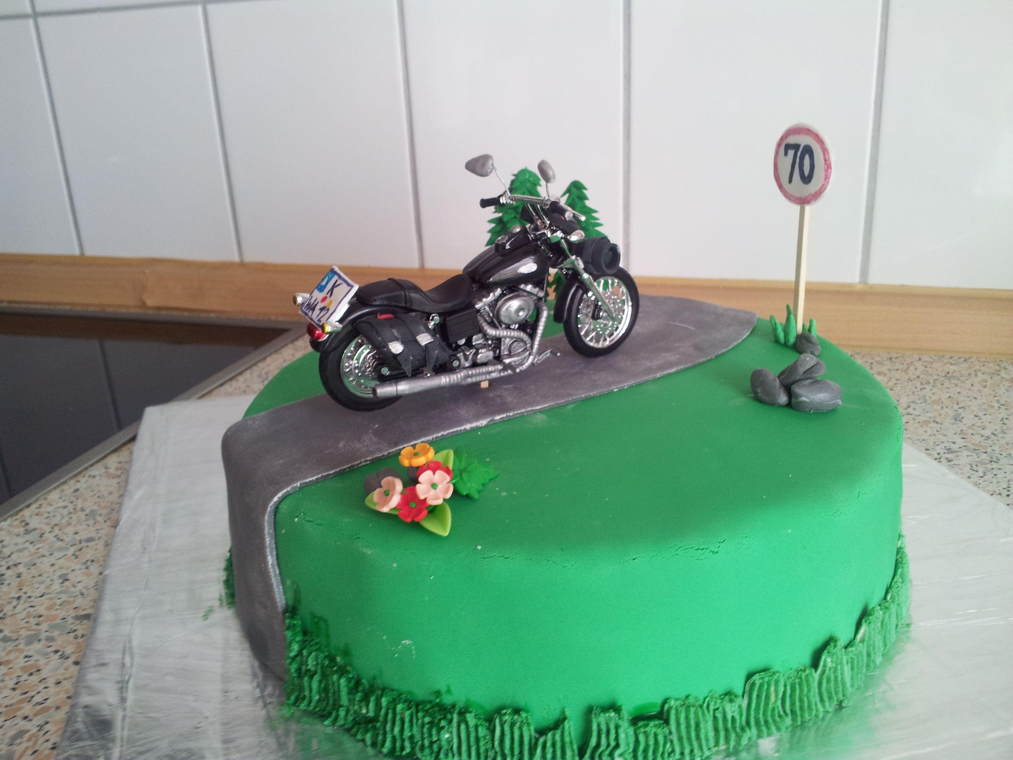Kuchen · Motorrad Torte