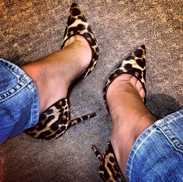 Leopard print pointed shoe. A neutral