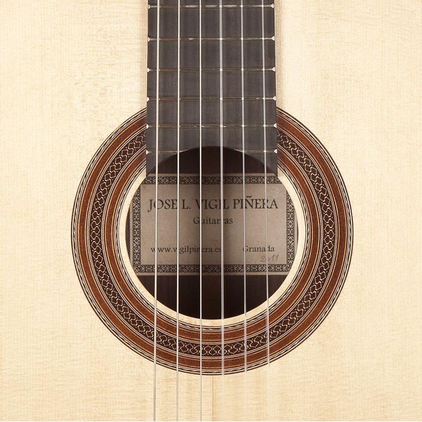 www.guitarrasvigil.com guitarras.htm   roseta y cabeza   Pinterest ...