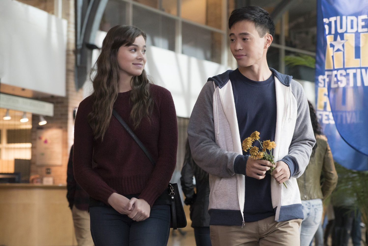 Nadine Hailee Steinfeld And Erwin Kim Hayden Szeto In The Edge Of Seventeen Good Comedy Movies Feminist Movies Comedy Movies On Netflix