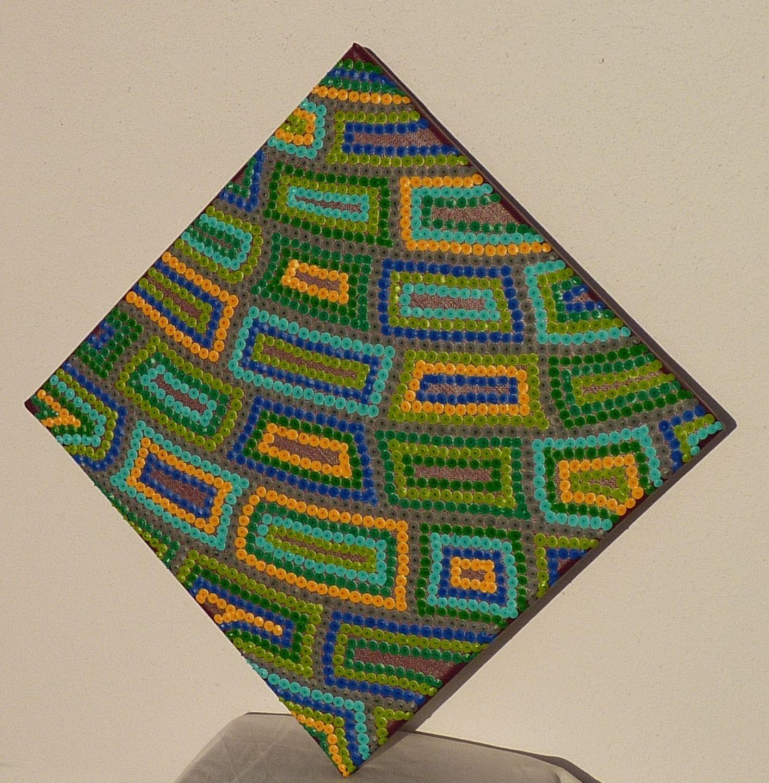 Tableau losange quadrillage multicolore motifs et points for Motif peinture
