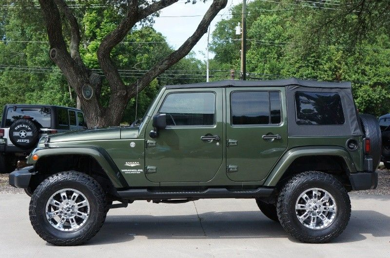 First Year of the 4 Door 2007 Jeep Green Unlimited