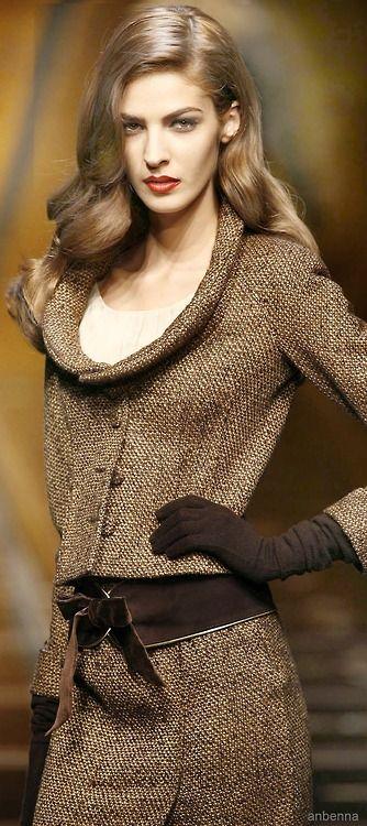 Cerramos el mes con Luxury Connoisseur || kallistos Stelios Karalis ||   •.♡ Follow me & Valentino