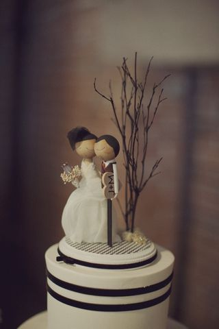 DIY Wood Wedding Cake Topper Pictures