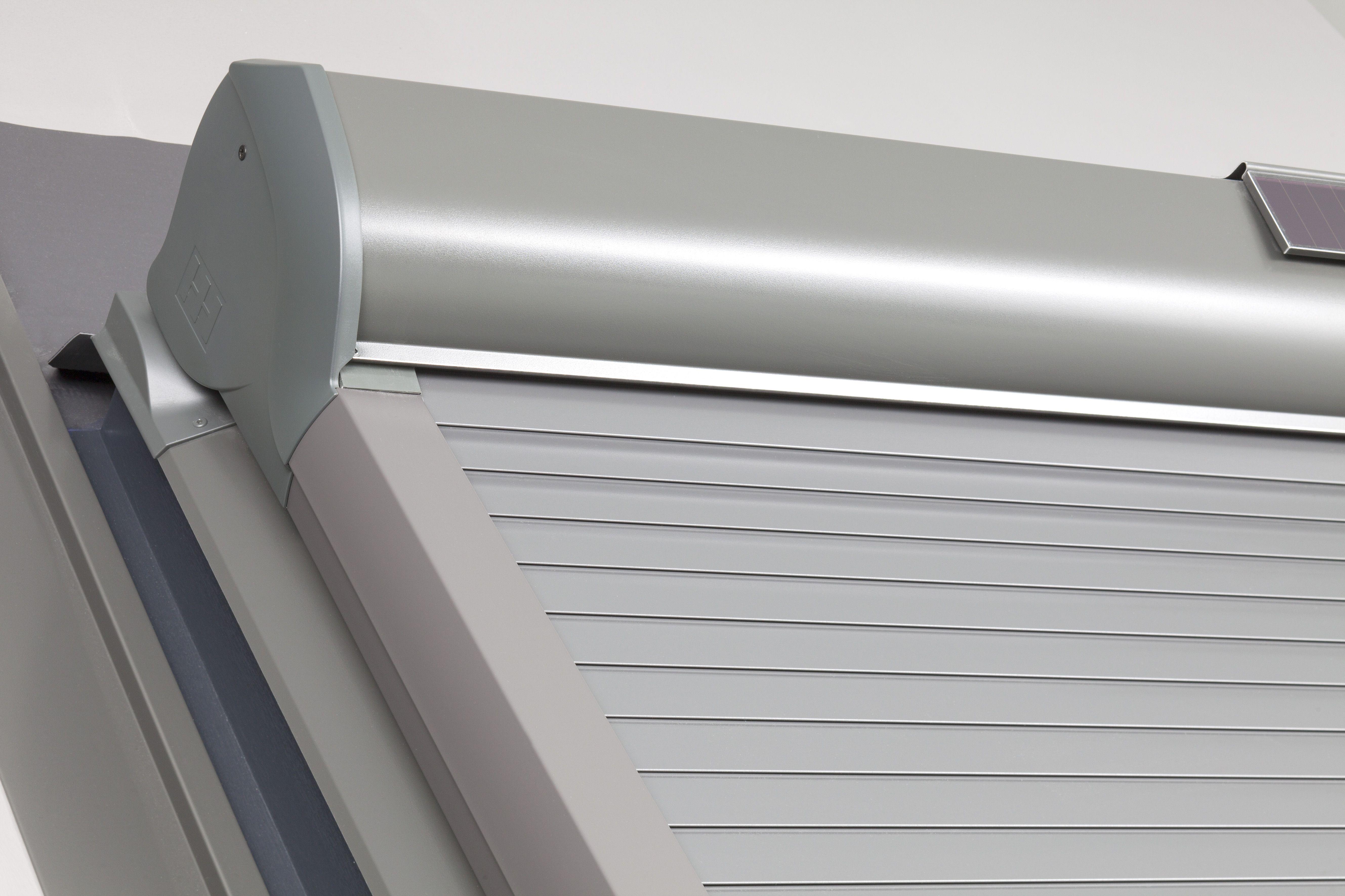 Wohndachfenster Mit Integriertem Rollladen Wohndachfenster Dachfenster Fenster Rolladen Rollladen Rollo Dachf Dachschrage Fenster Rollladen Dachfenster