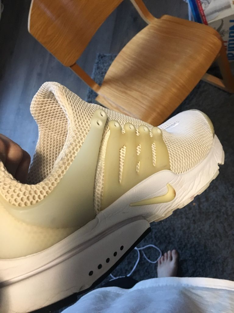 half off e0d62 436e7 Plastic on my Nike Air Prestos turning yellowish  Cleaning advice