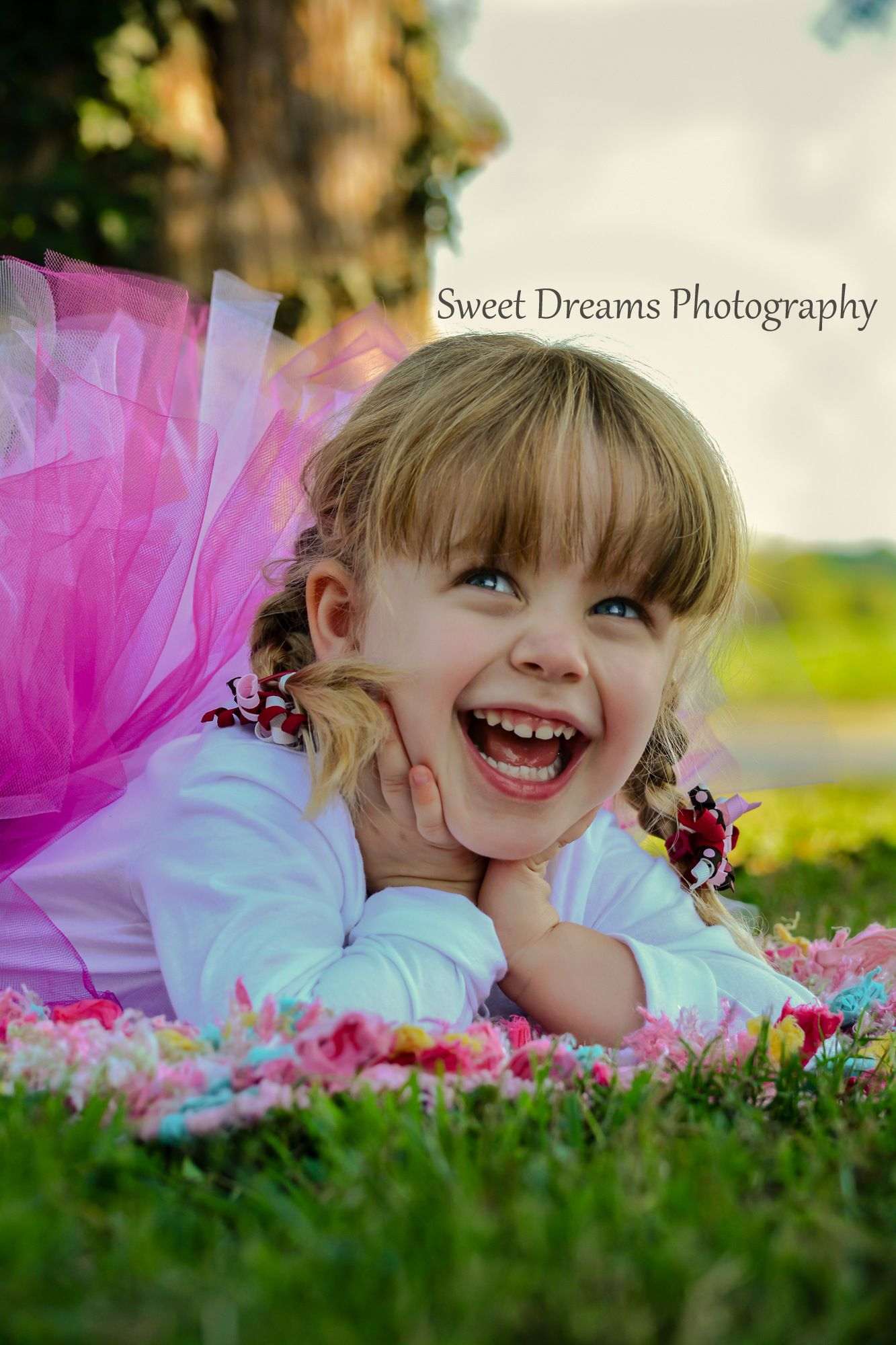 Outdoor birthday session, 3 year old little girl  www.facebook.com/sweetdphotos