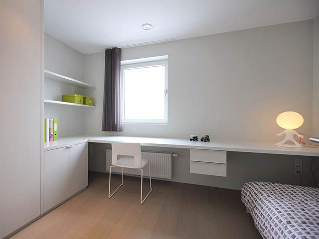 Moderne Slaapkamer Ideen : Slaapkamer u kinderkamer u bureau u wit u foto huyzentruyt be