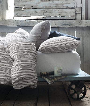 Interesting Idea For A Bed Frame Platform W Caster Wheels Where