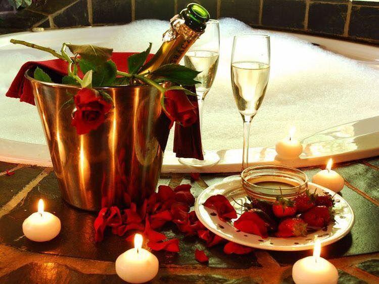 Como Sorprender A Tu Pareja Este 14 De Febrero Regalos Para Novios Regalos Para Sorpresas De Cumpleaños Del Marido Decoracion Romantica Decoracion Mesas Boda