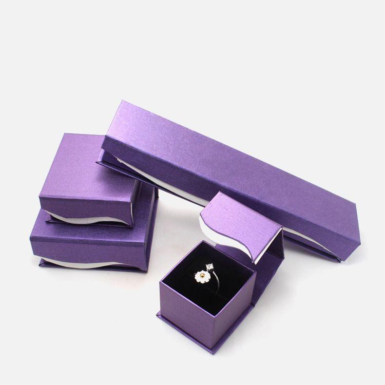 Exquisiteelegant handmade cardboard jewelry gift box Custom