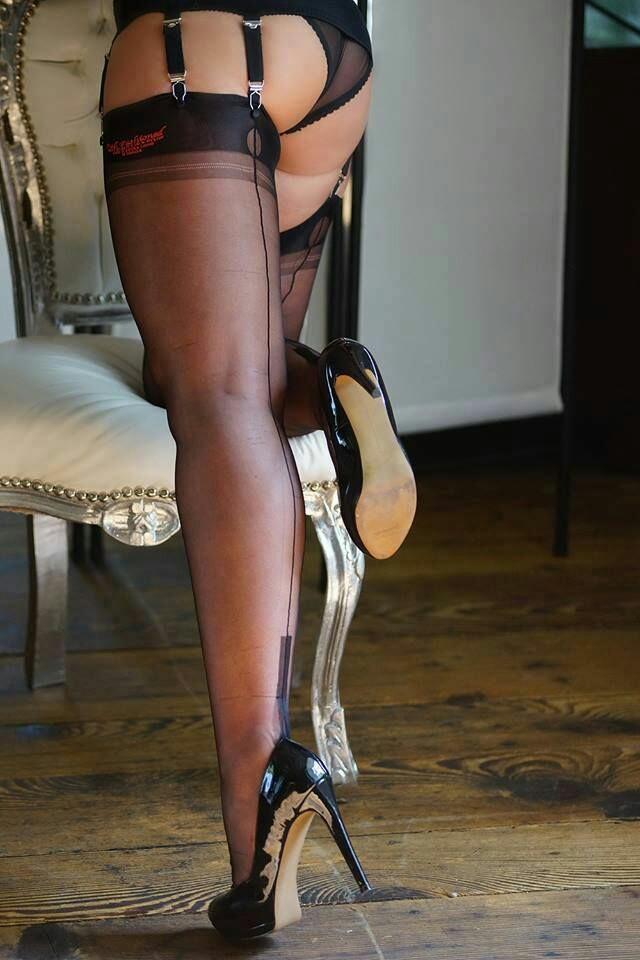 Mistress b e stocking high heel fetish