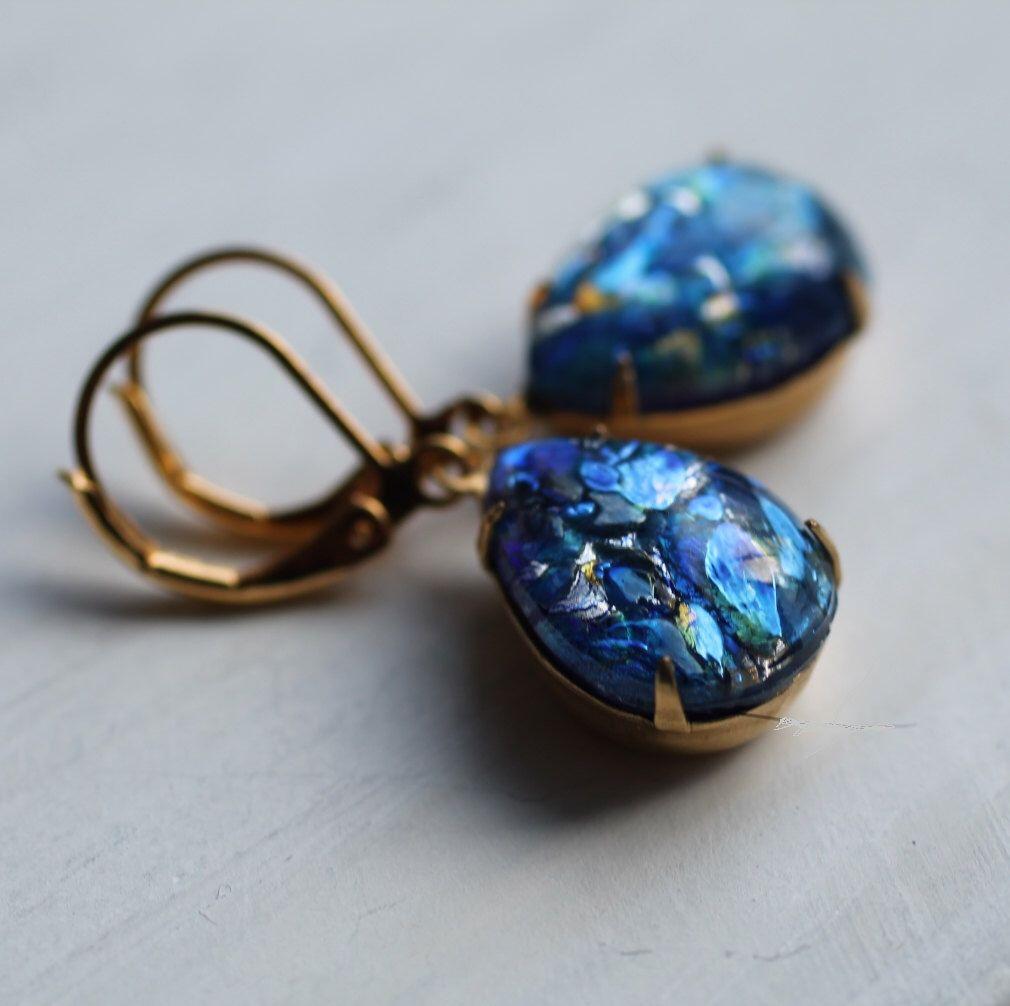Peacock Green Opal Earrings ... Vintage Glass by SilkPurseSowsEar on Etsy (null)