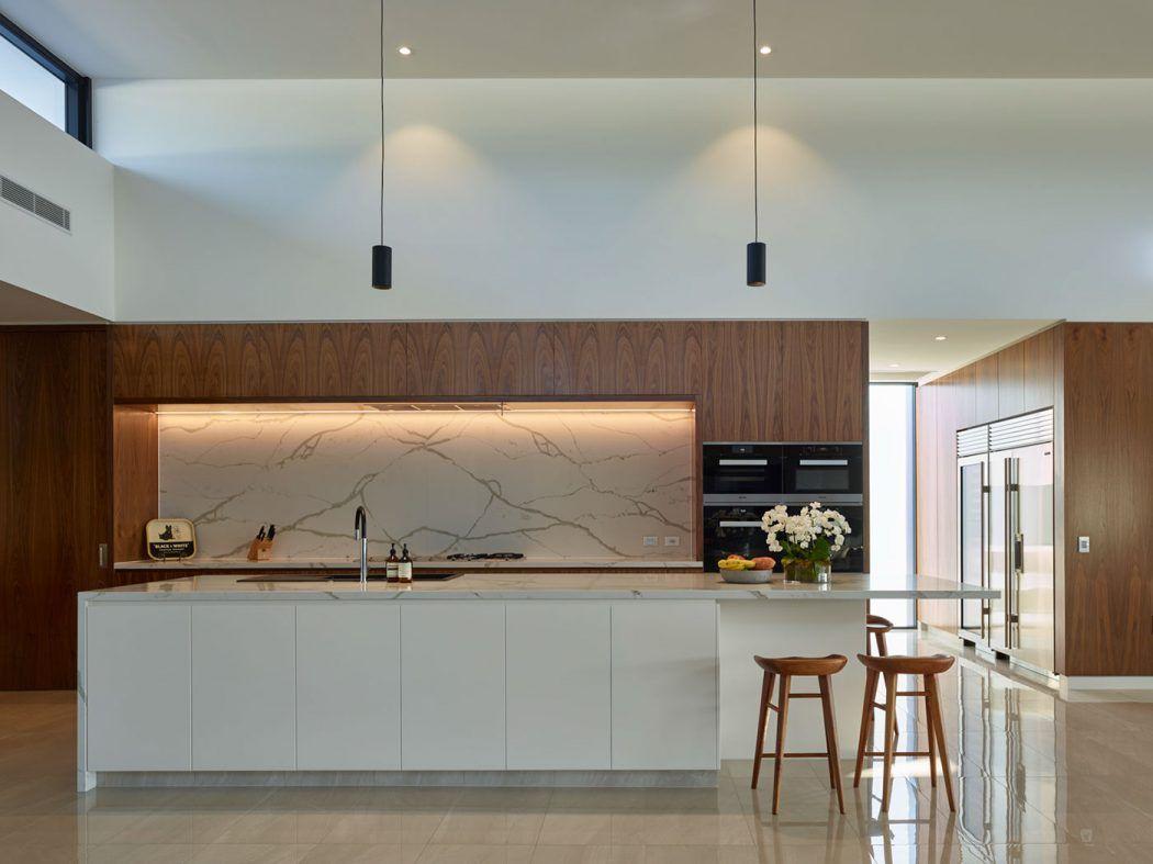 Contemporary House in Brisbane by Matt Martoo   HomeAdore   Cocinas ...