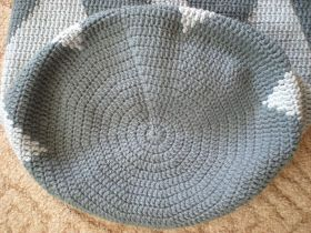 Hello,  I'm still a little bit hooked on tapestry crochet. I had to study on Youtube this type of crocheting for a while before I started.  ...
