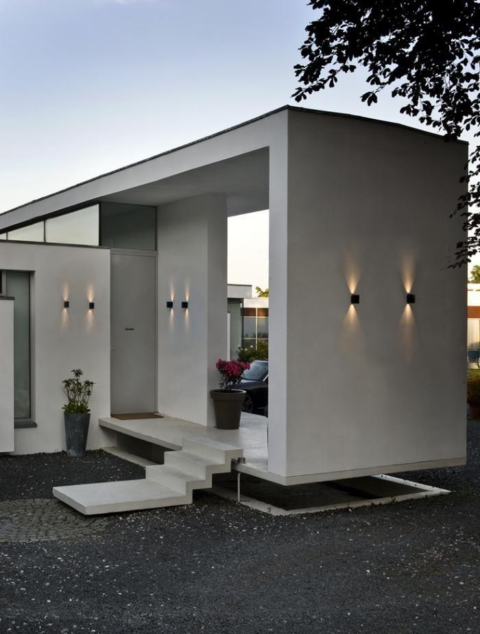 eclairage exterieur facade maison appliques murales, maison moderne plain pied, joli éclairage du0027extérieur