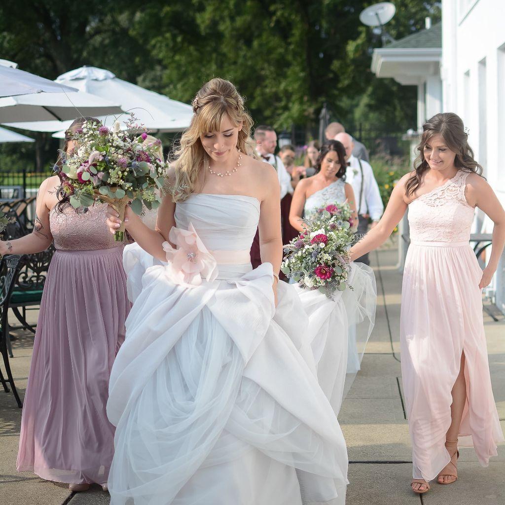 55fde157cbd4 White By Vera Wang Organza Wedding Dress - raveitsafe