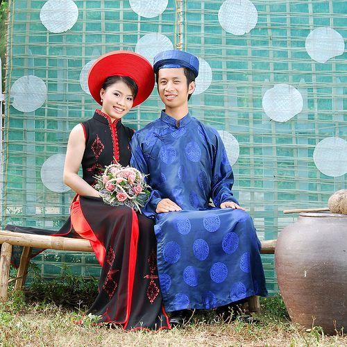 Traditional Vietnamese Wedding dresses | Vietnamese wedding dress ...