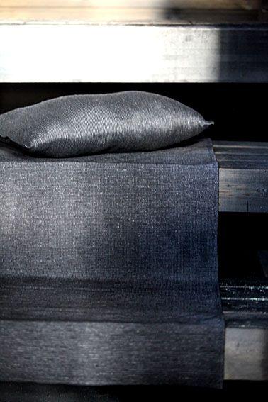 Linen bench cover and a sauna pillow, pellavainen laudeliina ja saunatyyny. www.pisadesign.fi