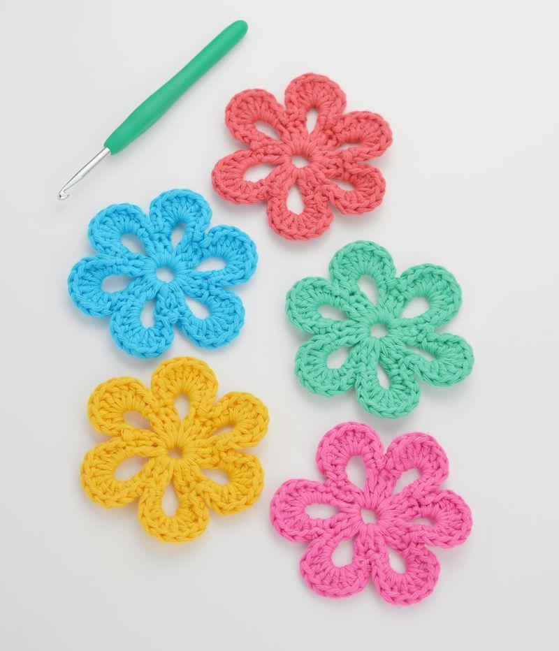 Easy, Free Crochet Flower Pattern | Separador de libros y Libros