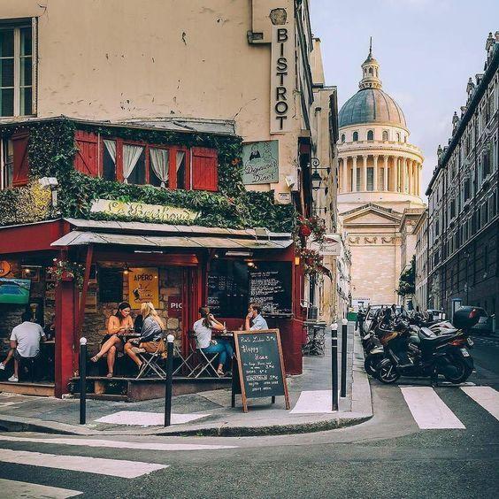 Paris, le Quartier Latin. Latin Quarter.