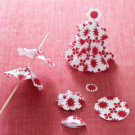 How to Make Pop-Up Paper Tree Gift Embellishments