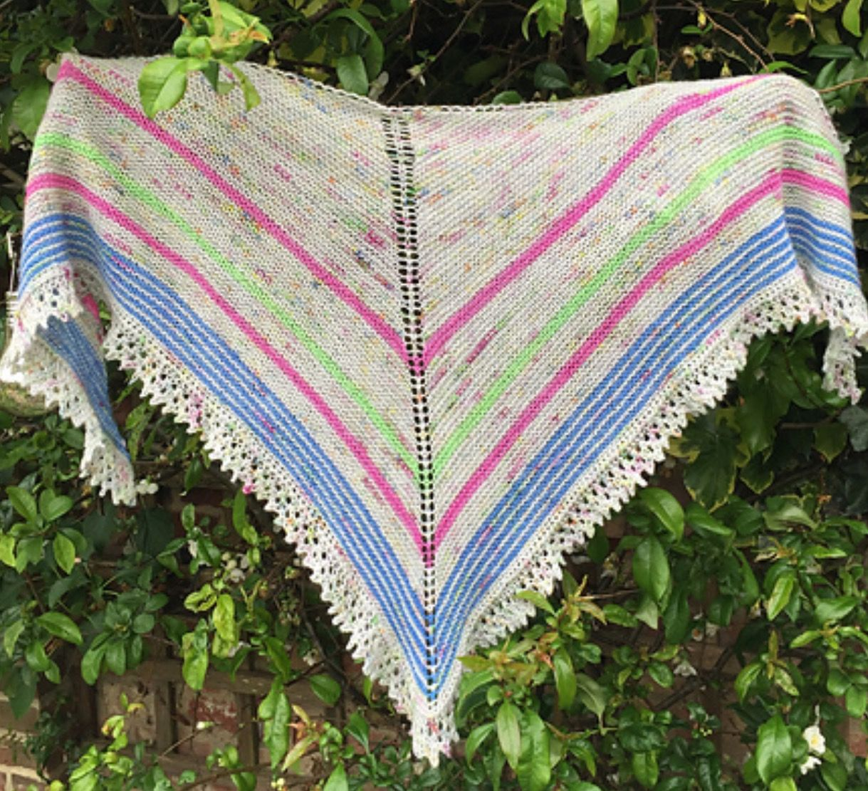 http://www.ravelry.com/patterns/library/bella-shawl-5 | Knitting ...