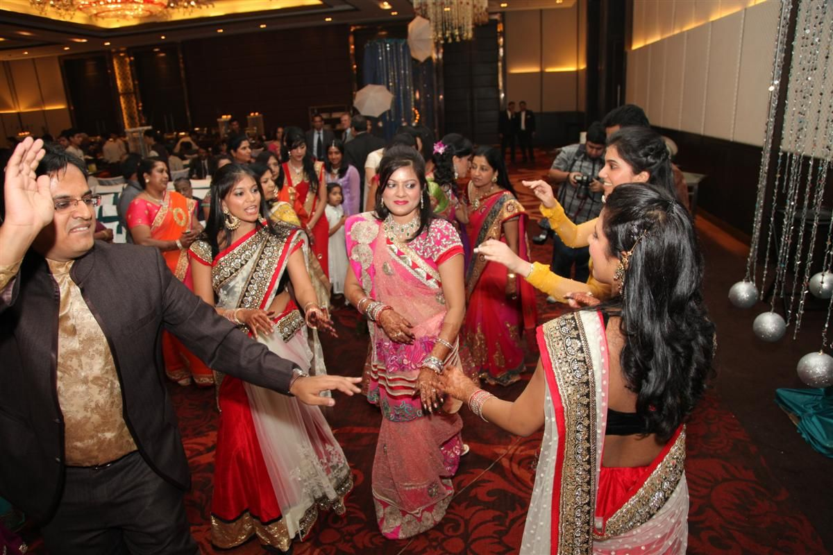 Top Party Songs For Couples In Wedding