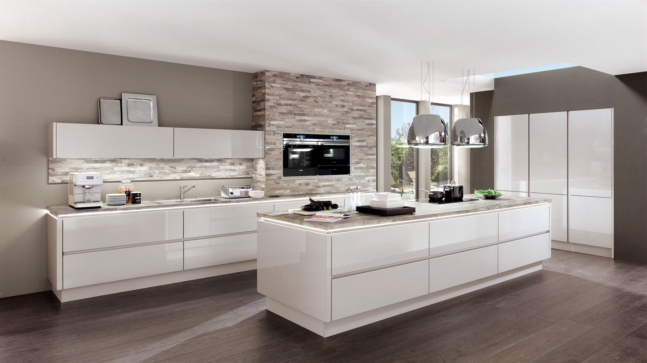 The ultimate in high gloss lacquer finishes the LUX kitchen is sure