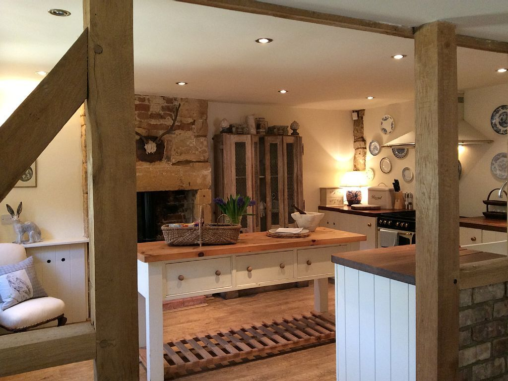 Beautiful fitted kitchen with all modern appliances