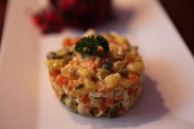 Olivier (Hauptstadt Salat) - русский салат #olivierrussischersalat