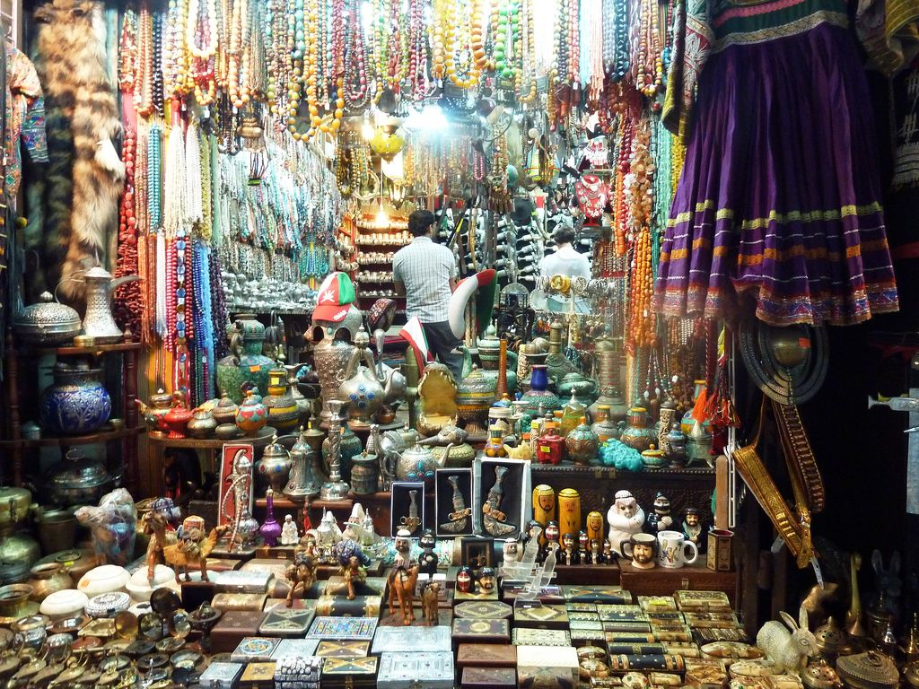 Muttrah Souk, OMAN. view on FB https://www.facebook.com/OmanPocketGuide  photo: William Saito