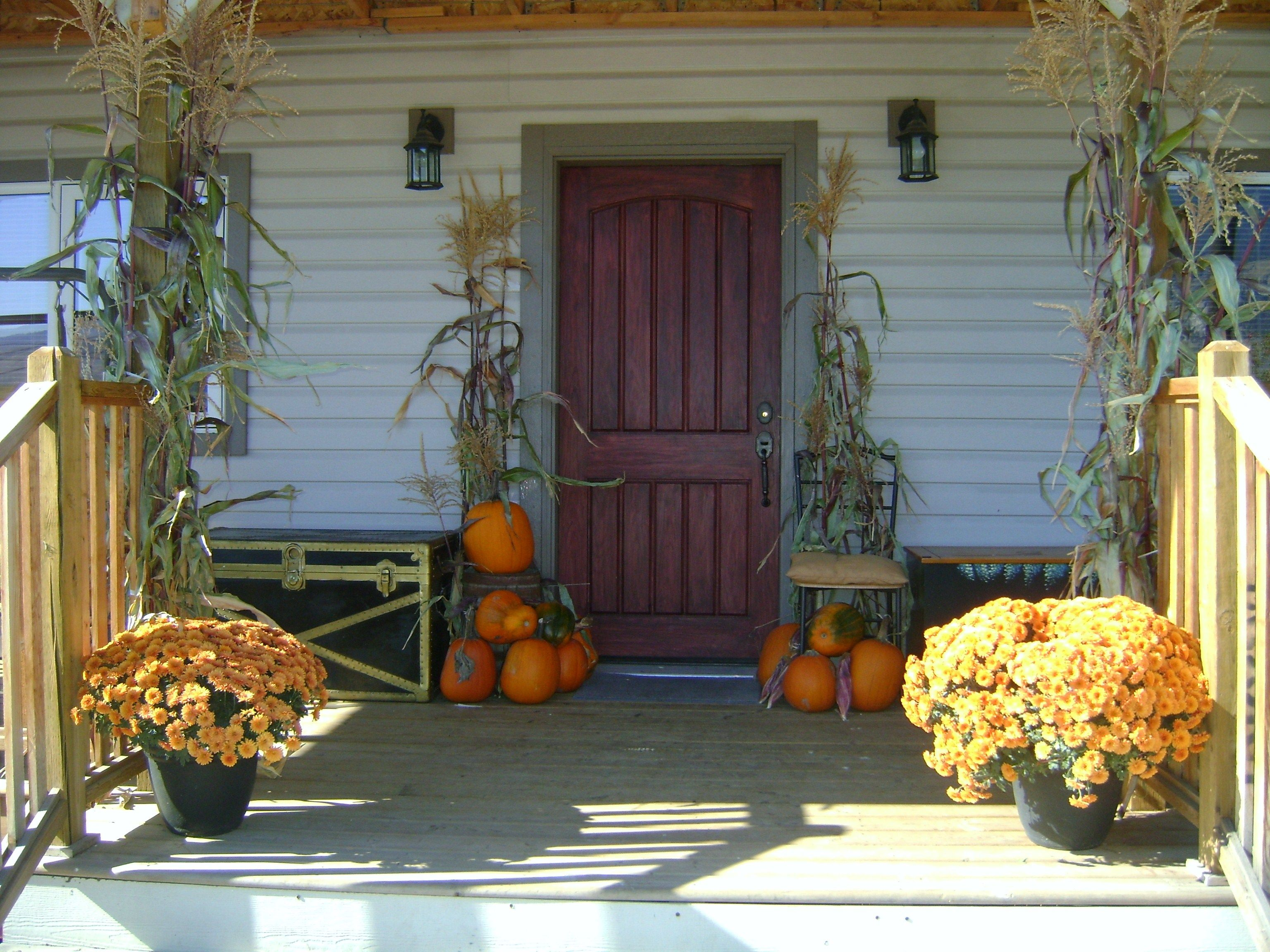 fall decorating - Holidays Pinterest Painted houses - Front Door Halloween Decorations