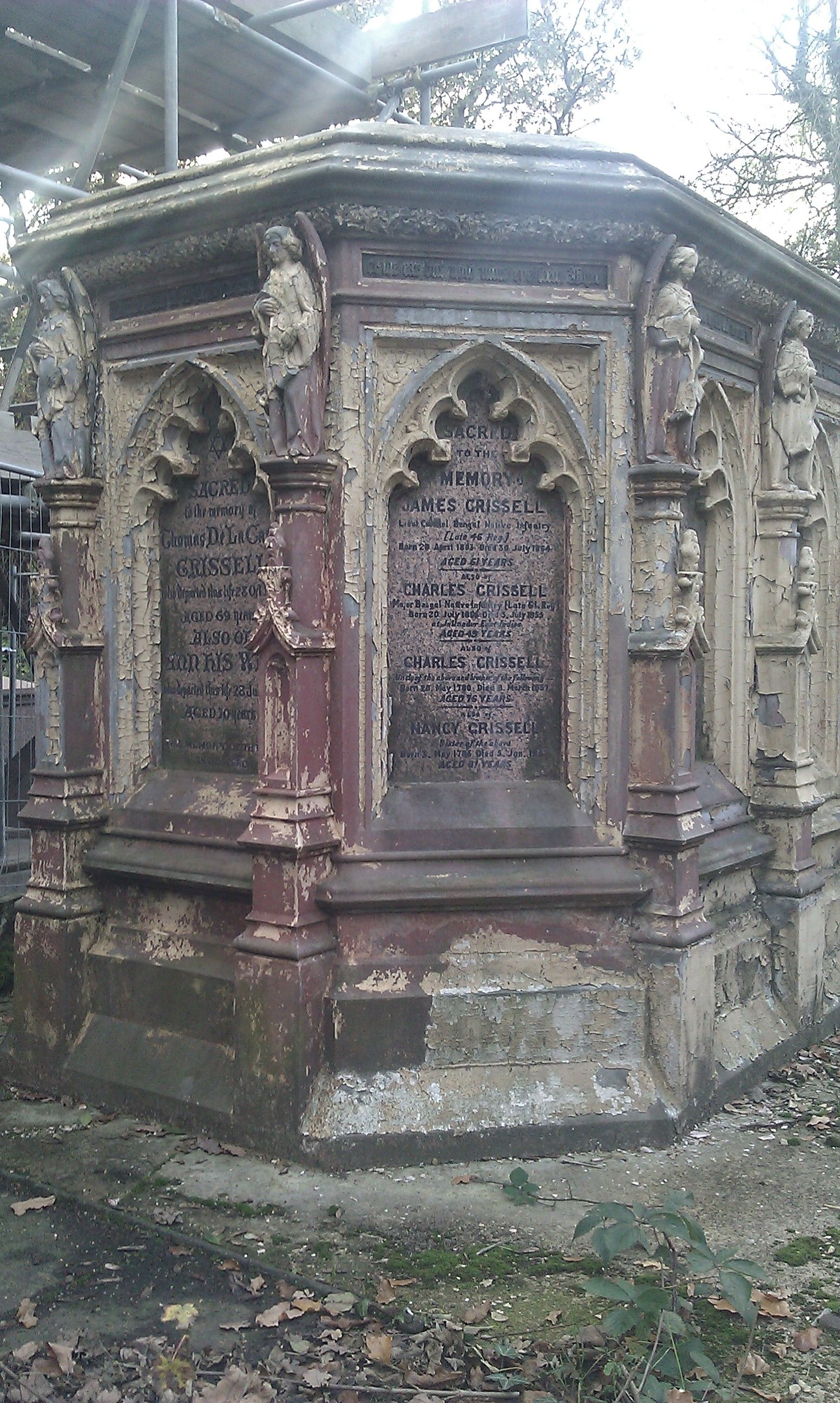 Victorian Mausoleum Vault West Norwood Cemetery London Cemetery Monuments Cemetery Statues Old Cemeteries