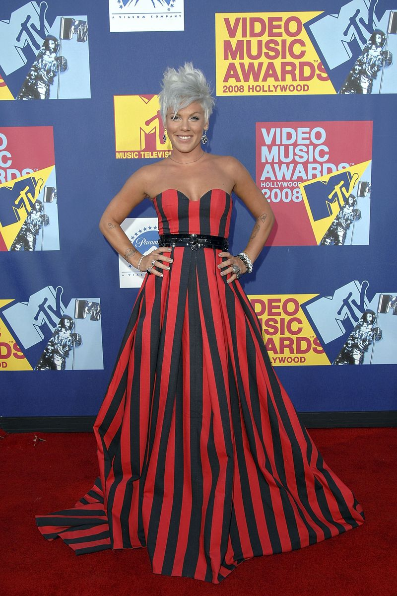 The Most Memorable Vma Looks Of All Time Fashion Red Carpet Fashion Vmas Red Carpet