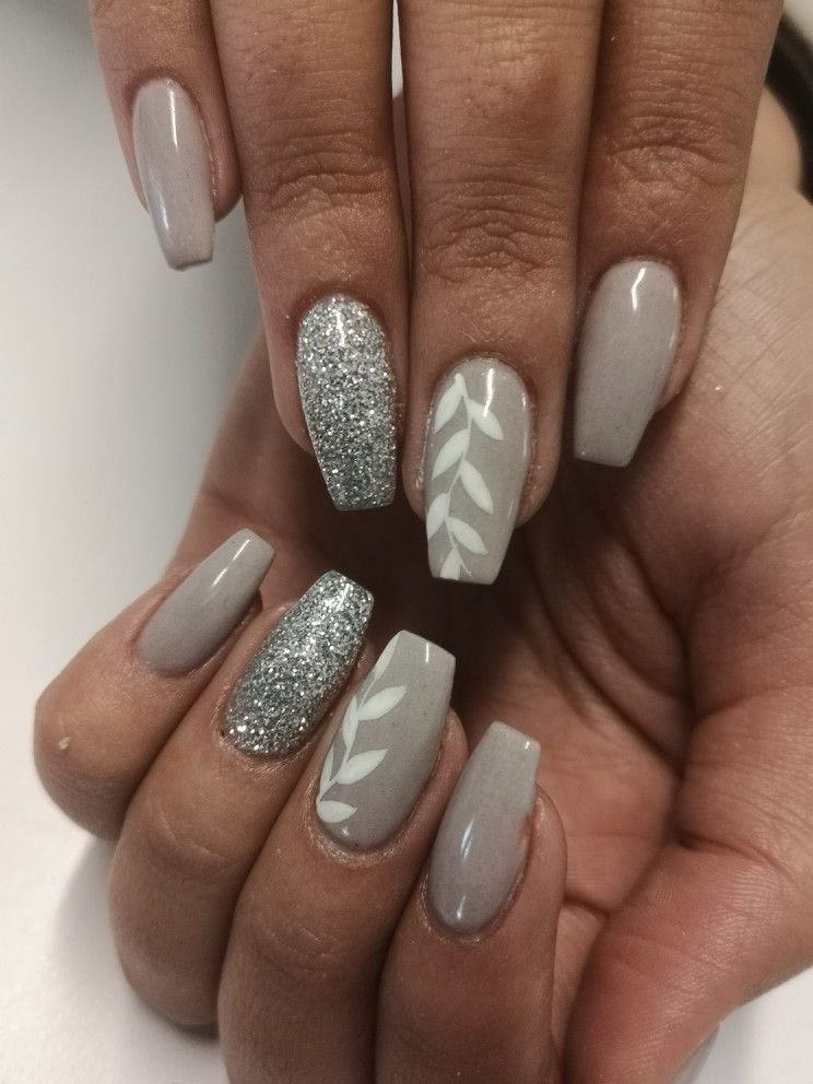 Light Grey Coffin Nail Art With White Floral Leaves And Beautiful Glitter Accents Silver Nails Cute Nails Gray Nails