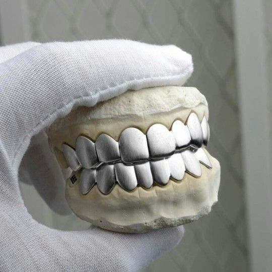 New Post On Ebanksmalcolm With Images Gold Grillz Grillz White Gold Grillz