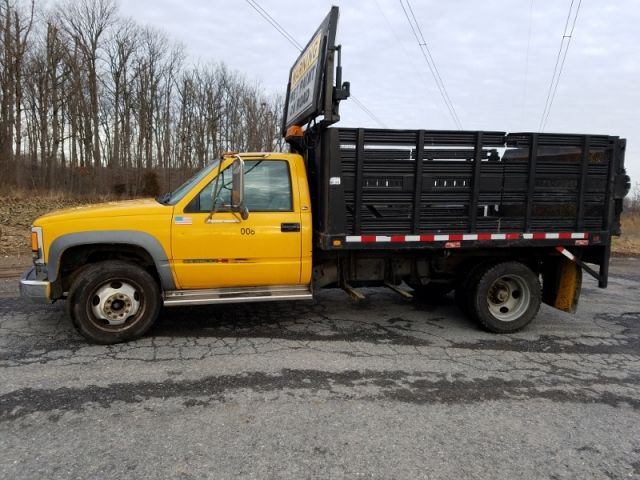 2000 Gmc 3500 Hd Stake Body Truck 6 5l Diesel Engine Automatic Transmission Air Conditioning 10ft Stakebody With Trucks For Sale Trucks Commercial Vehicle